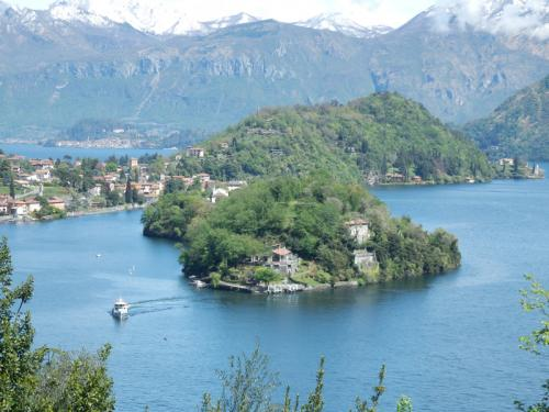Lake Como Views P4240492