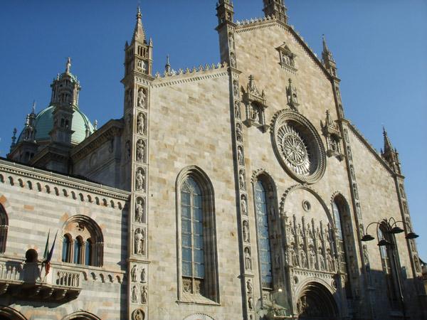 History-of-Lake-Como-Duomo-in-Como